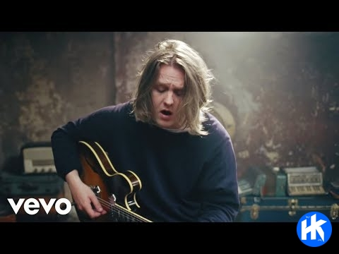 Lewis Capaldi – Lost On You